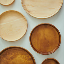 "Load image into Gallery viewer, Big ""Frisbee"" - Wooden Tray"