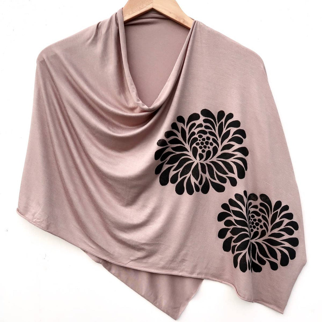 Chrysanthemum Poncho Taupe with Black