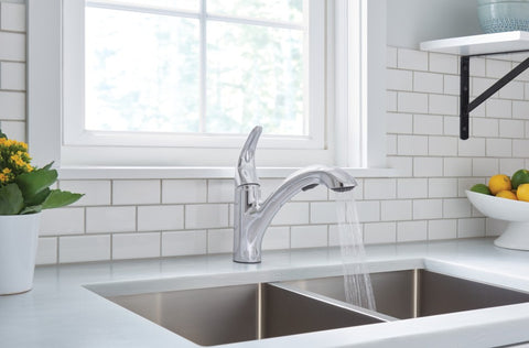 MEDINA Chrome One-Handle Pullout Kitchen Faucet