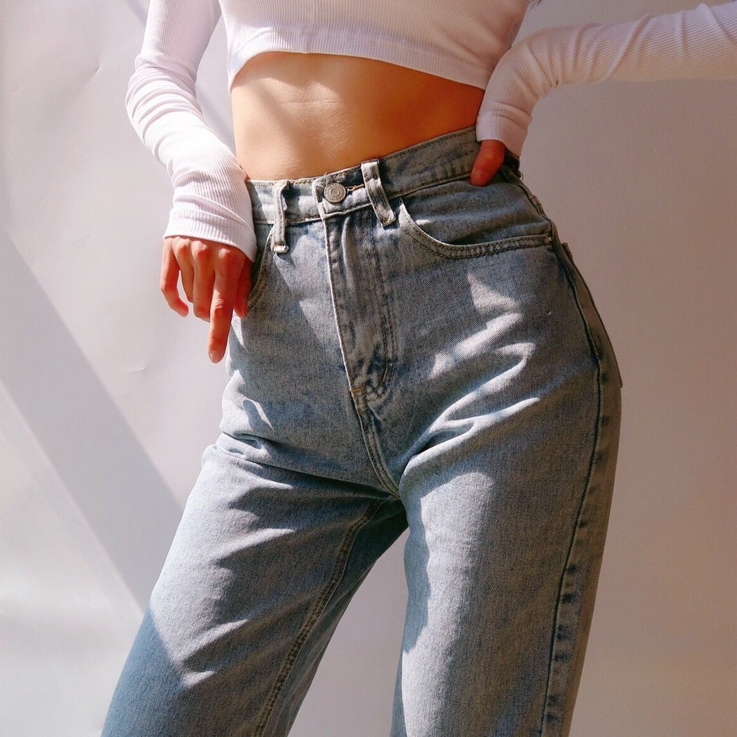 Erica Jeans in Washed Blue *
