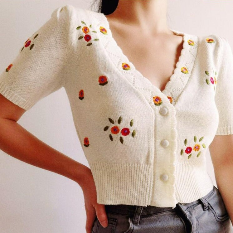 Beth Floral Embriodered Cardigan Knit Top in White *