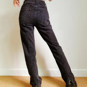 Daphne Jeans in Washed Black *
