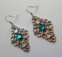 Load image into Gallery viewer, Filigree Earrings