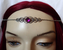 Load image into Gallery viewer, Filigree Heart Circlet