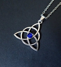 Load image into Gallery viewer, Celtic Triquetra Pendant