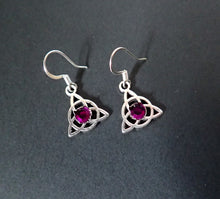 Load image into Gallery viewer, Celtic Triquetra Earrings