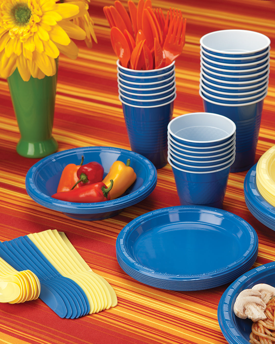 Plastic Solid Color Party Tableware<br/>Size Options: 10.25inch Plate, 9inch Plate, 7inch Plate, 15oz Bowl, 18oz Cup, 12oz Cup, 9oz Cup, 10.25inch Compartment Plate