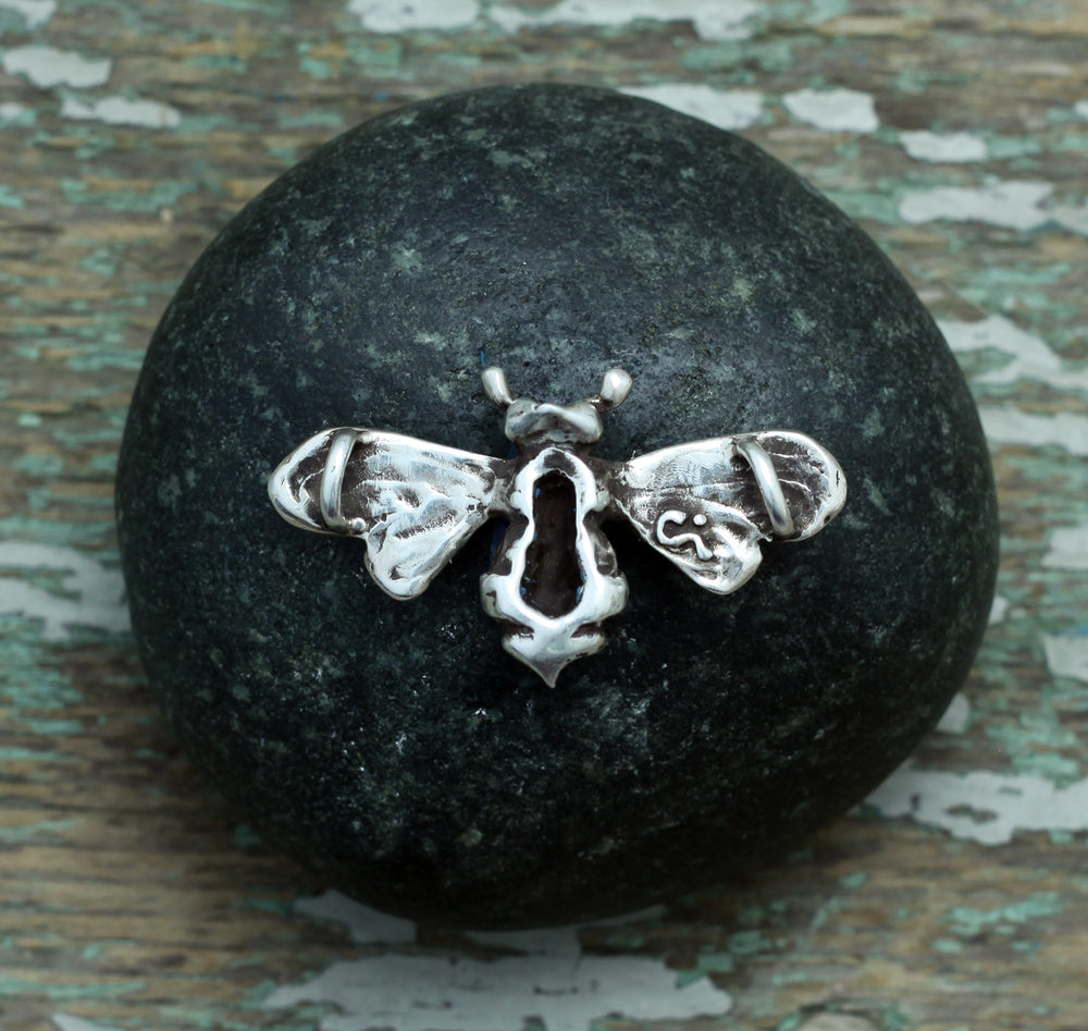 Load image into Gallery viewer, Bumblebee sterling silver pendant