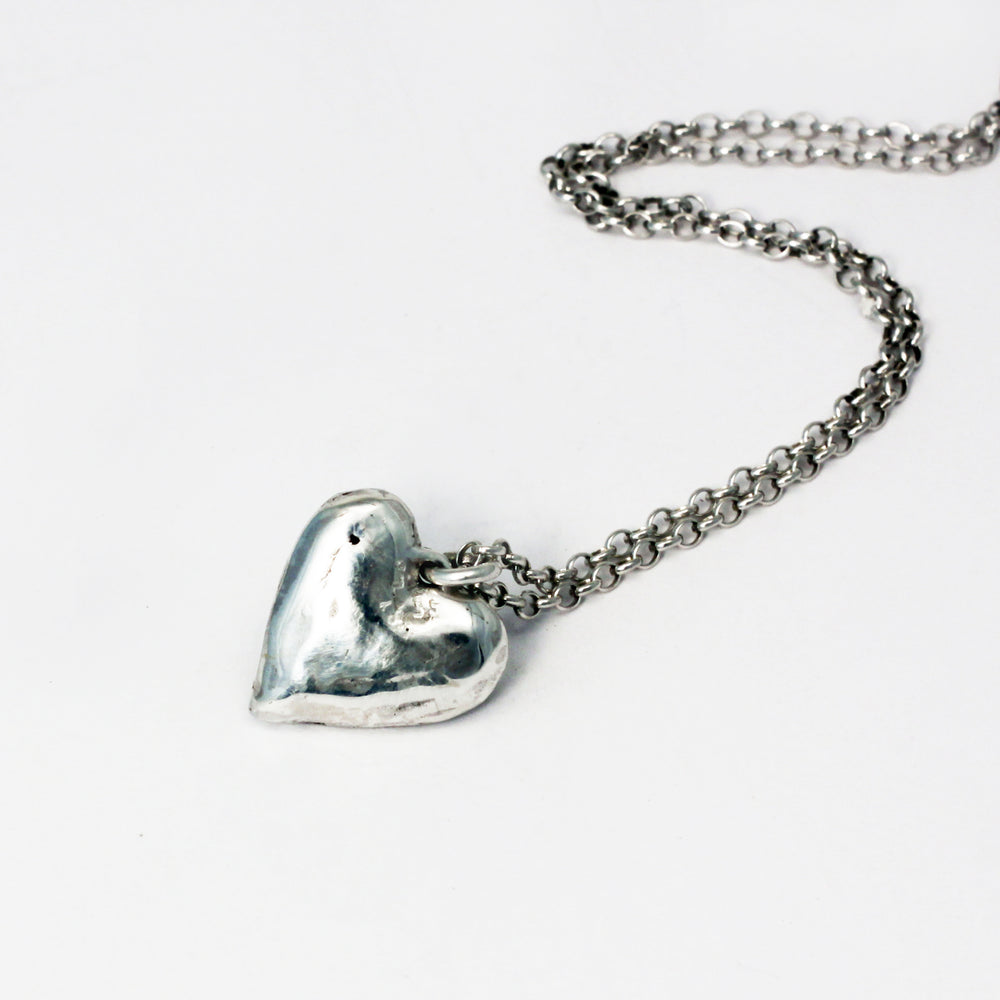 Little heart pendant necklace