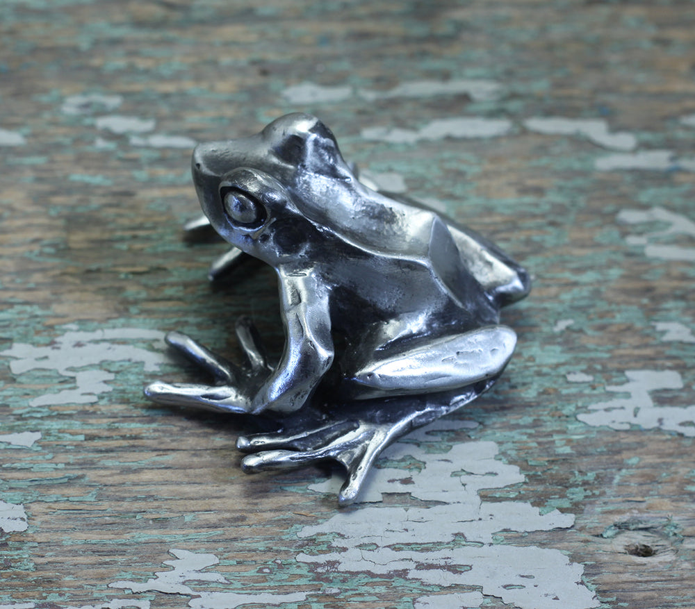 Load image into Gallery viewer, Pond Frog sculp[ture