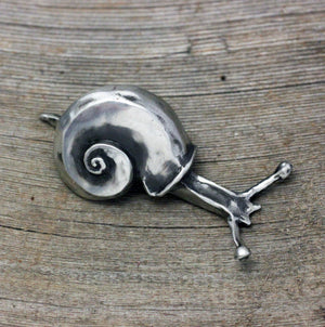 Load image into Gallery viewer, Garden Snail Sculpture
