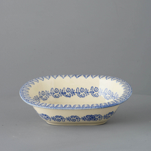 Load image into Gallery viewer, Lacey Blue Pie Dish