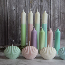 Load image into Gallery viewer, Dip Dye Pillar Candle - Pistachio