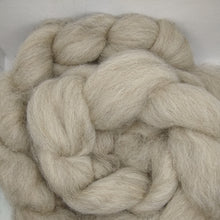 Load image into Gallery viewer, Shetland combed tops - Undyed - Light Grey