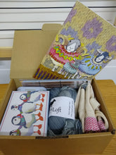 Load image into Gallery viewer, Knitters Deluxe Gift Hamper