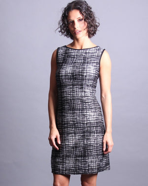 LARA Sleeveless Shift Dress