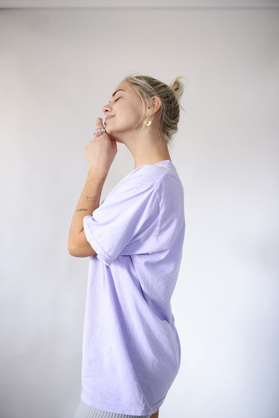 THE EVERYDAY LILAC TEE