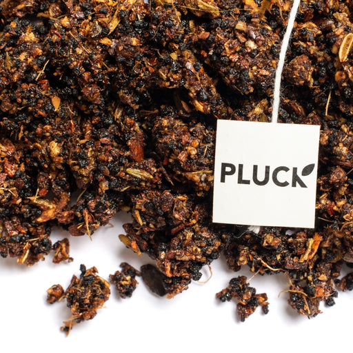 Loose Honey Chai black tea with Pluck tea bag tag