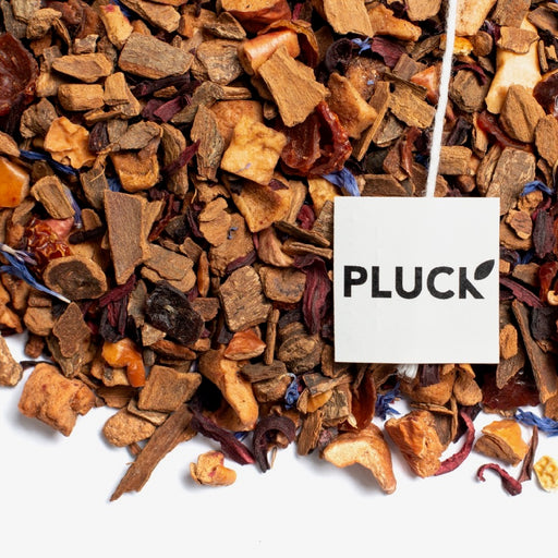 loose leaf Apple Crumble herbal tea with Pluck tea bag tag