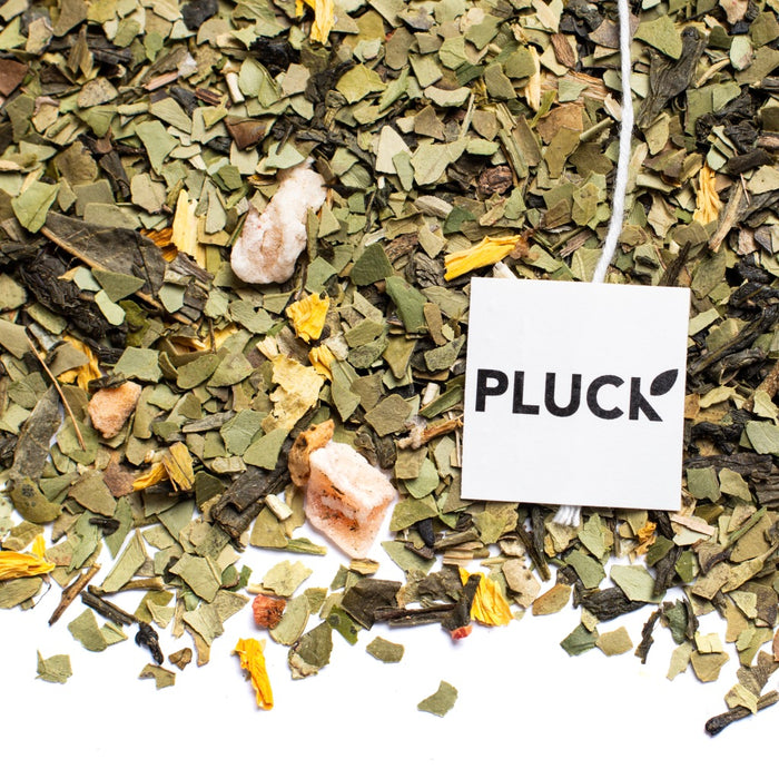 Loose leaf Field Berry Mate green tea with Pluck tea bag tag