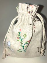 Load image into Gallery viewer, Woodland Flowers Soap Bag