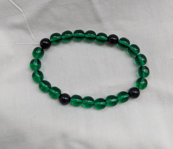 Unisex green black glass beads with elastic band size 8mm