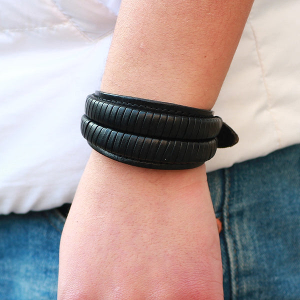 Unisex male female leather wristband adjustable bracelet strap black