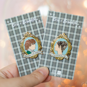 Jamie and Claire 2 Pin Set
