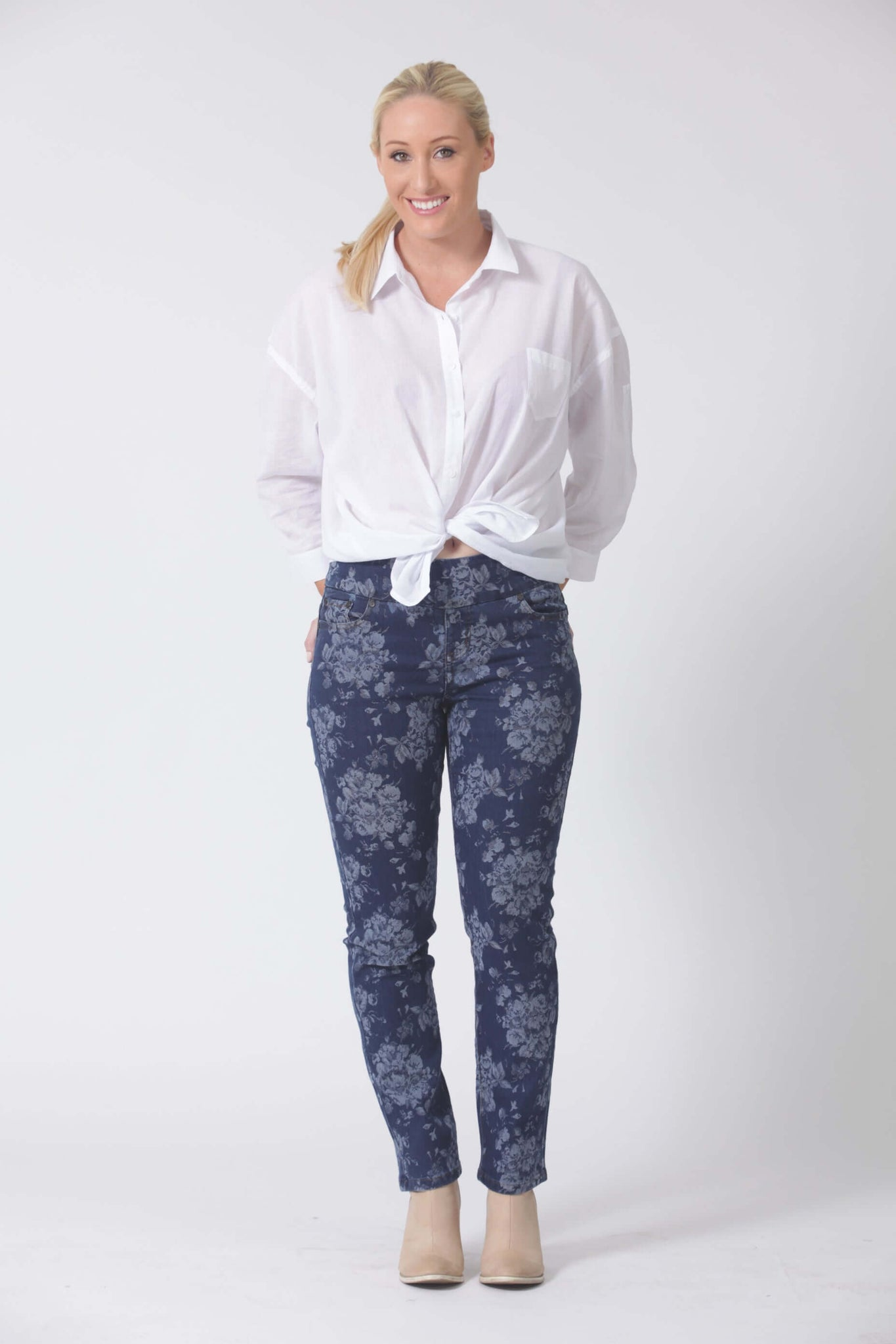 W04B2094 - Jacquard Denim - Flower Pant