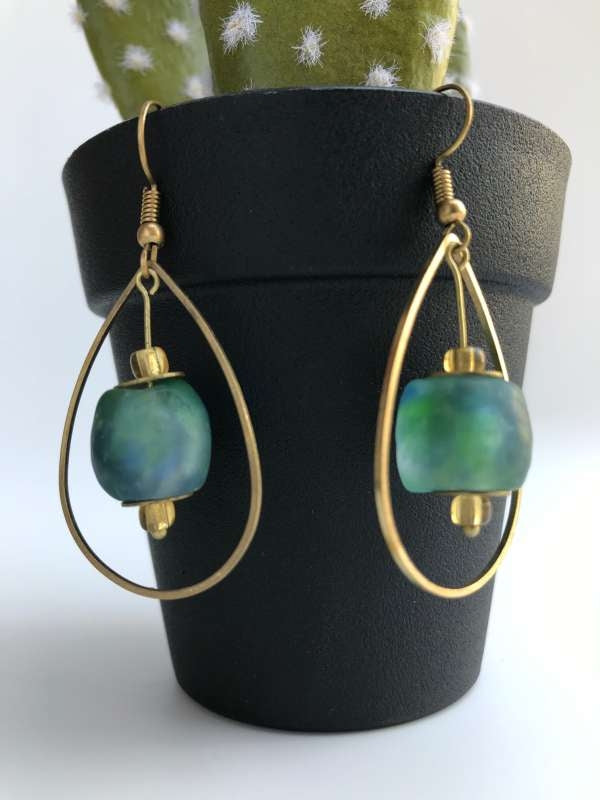 CBC TEARDROP WITH GLASS BEAD EARRING turquoise