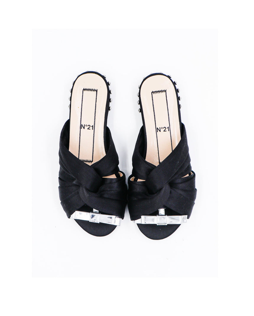 N21 Knotted Slip Ons