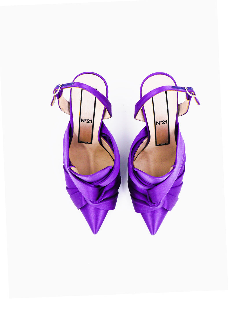 N21 Ankle Wrap Pointed Pumps