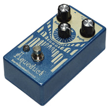 Lataa kuva Galleria-katseluun, EarthQuaker Devices Aqueduct Vibrato