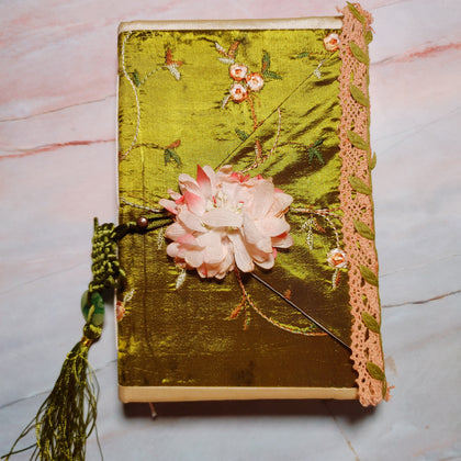 Peaches & Greens Junk Journal by Vickey Phelps