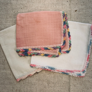 Vintage Handkerchiefs set of 4