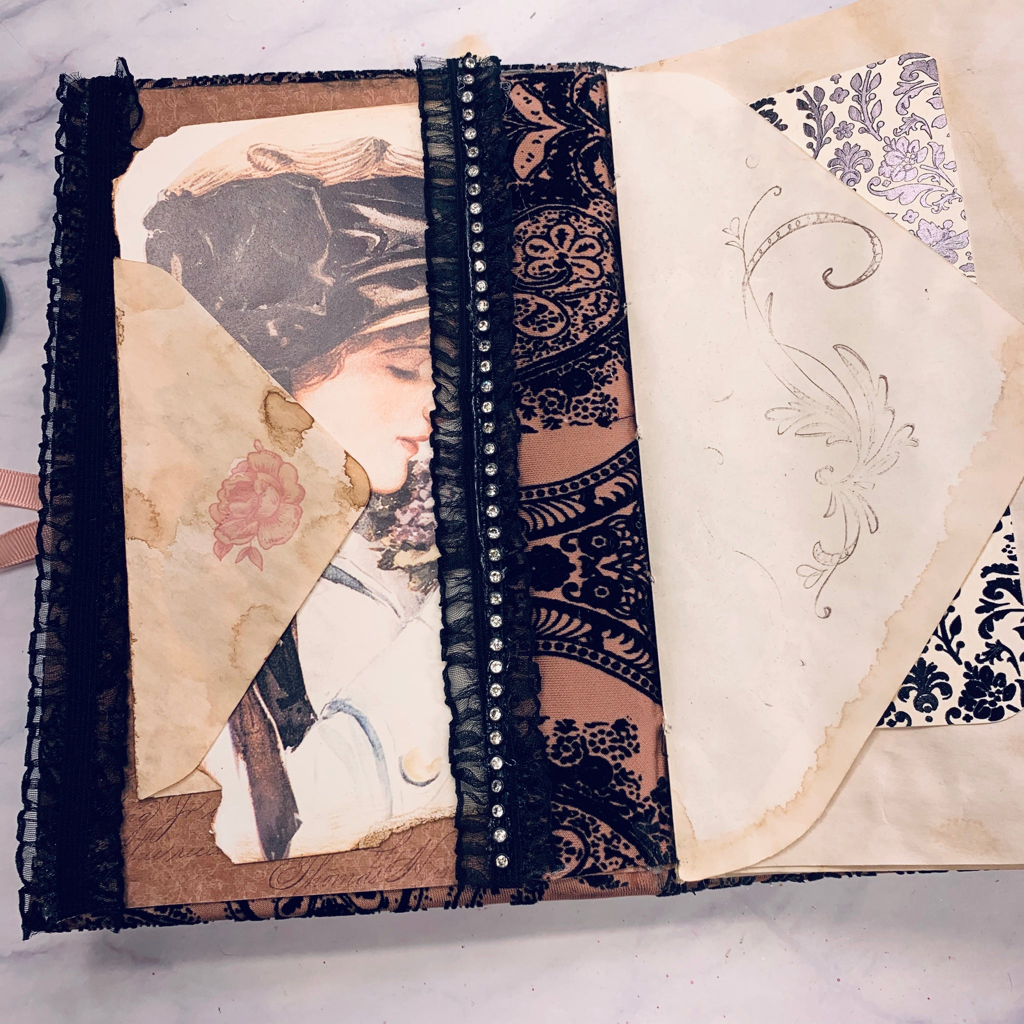 Velvet Junk Journal by Beatriz Barraza