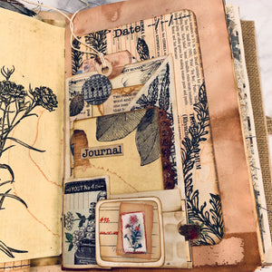 Mixed Media Junk Journal by Elizabeth Chisholm (January 2020 Challenge)