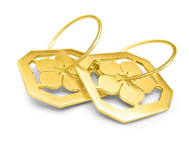 Ume Blossom Earrings in yellow gold - Ceeb Wassermann Jewellery