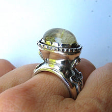 画像をギャラリービューアに読み込む, Heavy Sterling Silver Ring with Rutilated Quarz - Ceeb Wassermann Jewellery