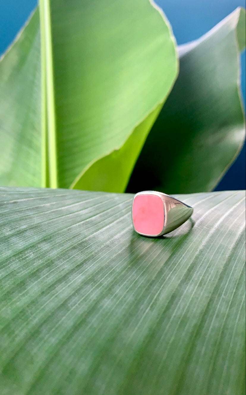 Classic Signet Ring Pink Opal