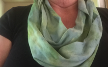 Load image into Gallery viewer, Hand dyed infinity scarf