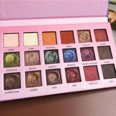 18 Color Eyeshadow Set