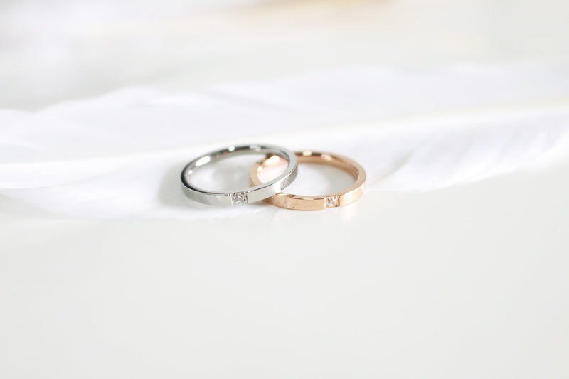 Minimalist Single Zircon Ring (Silver) - Plenty Collection