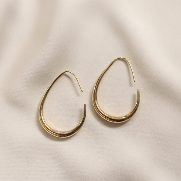 Fiona Hoop Earrings - Plenty Collection
