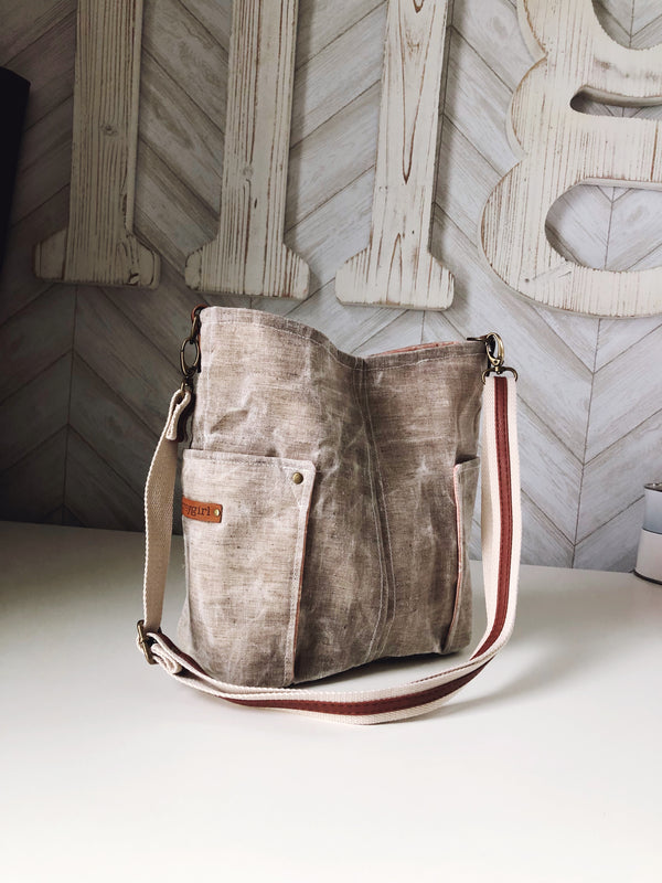 Compass Crossbody - Linen
