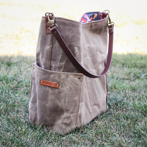Compass Tote - Cowboy Brown