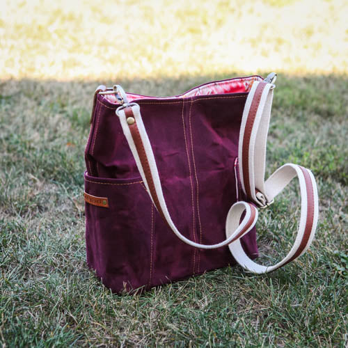 Compass Crossbody - Texas Maroon