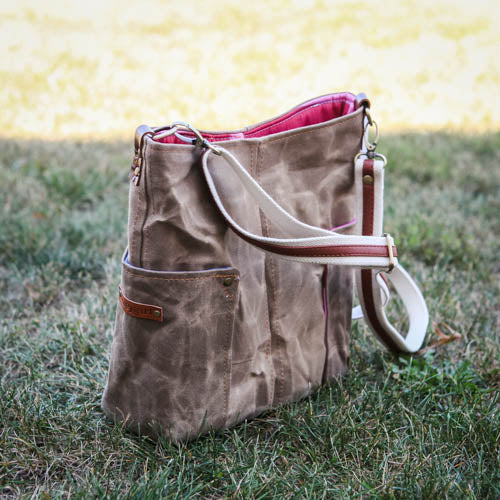 Compass Crossbody - Cowboy Brown