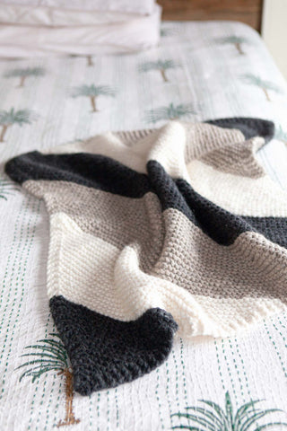 Knitting Pattern Download - Debbie Bliss Paloma Baby Blanket