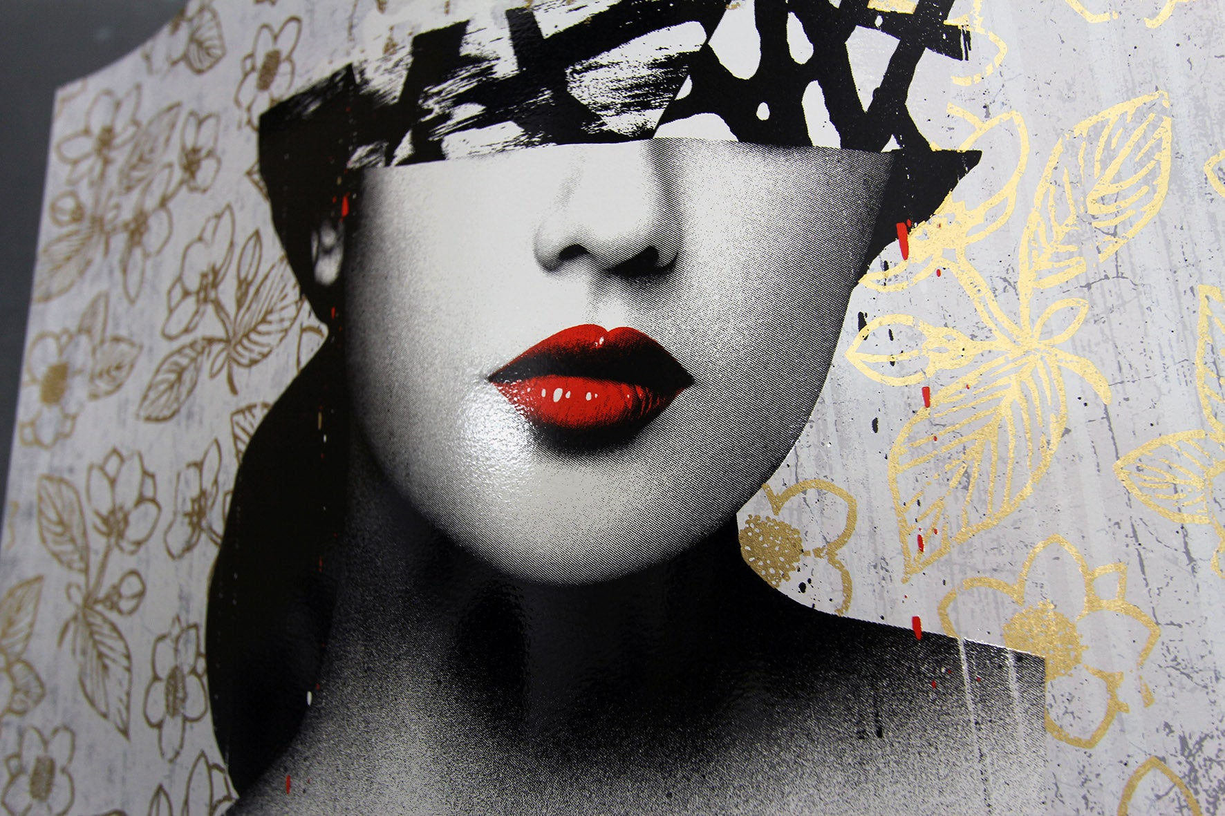 Le Buste III (GOLD)  by Hush